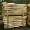 Kastanje houten paal