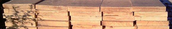Houten balken en houten planken